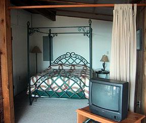 Bella Vista queen bed